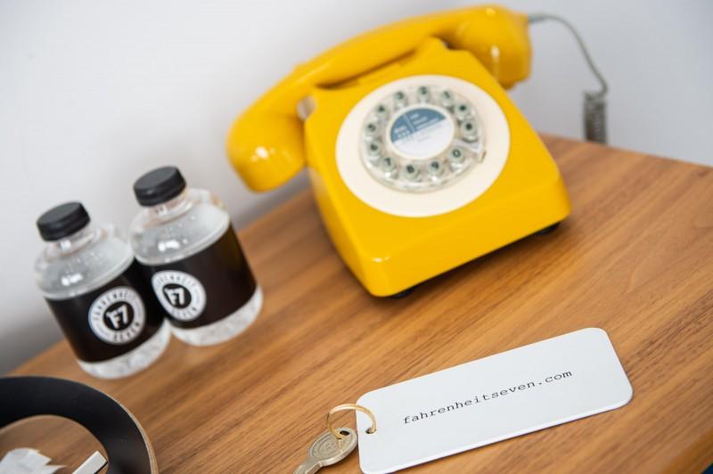 °F7 room decoration PHONE