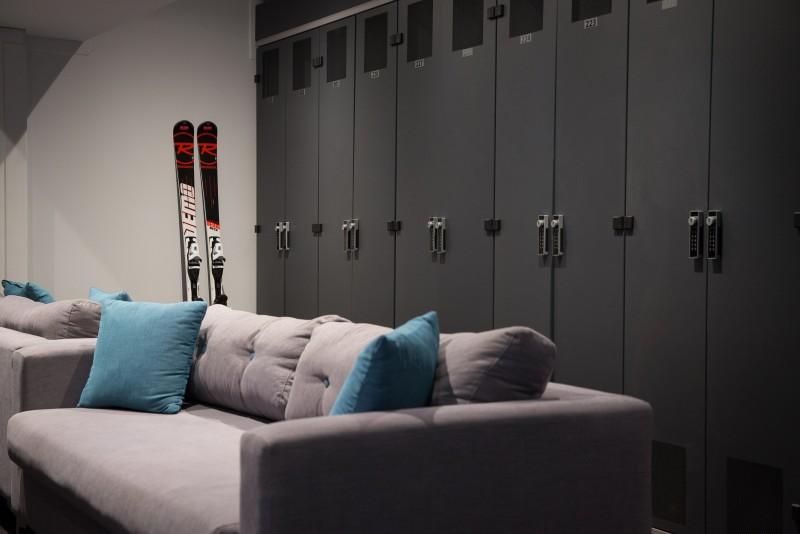 °F7 Skiroom sofa et box