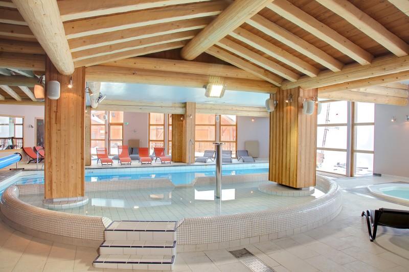 les-balcons-de-val-thorens-piscine-24930