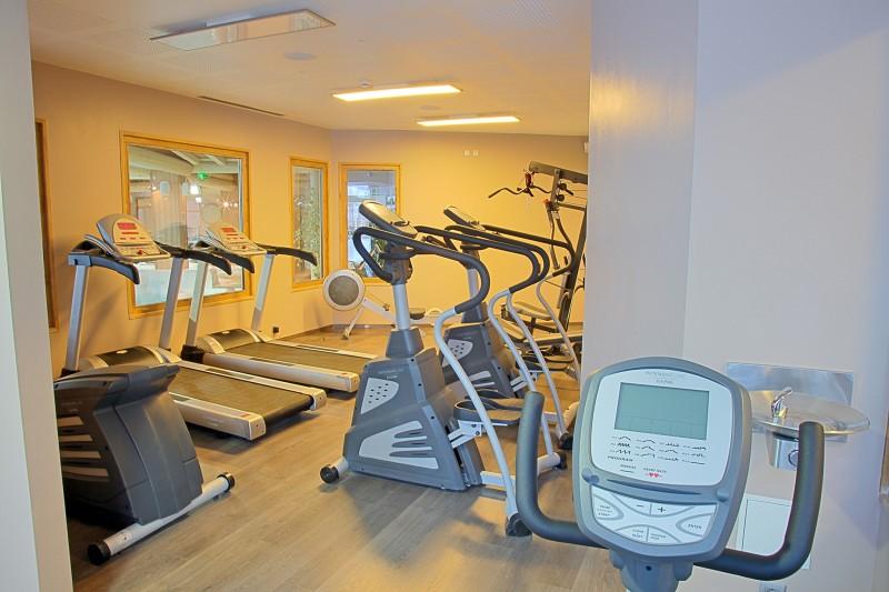 les-balcons-de-val-thorens-salle-fitness-24931