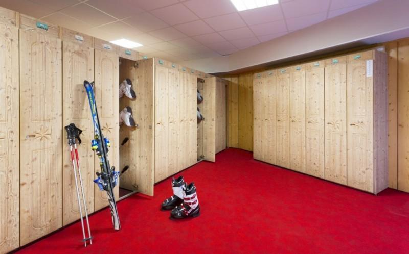 Ski Room © MMV Les Arolles