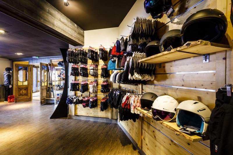 Ski shop - ©Studio Bergoend