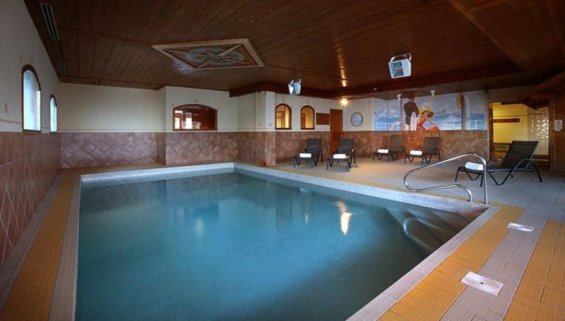 Pool - ©Résidence Chalet des Neiges Hermine