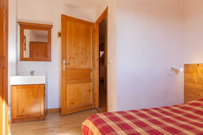 apt-10-12-pers-val-chaviere-15-chambre-02-344815