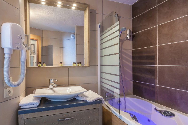 apt-platinium-salle-de-bain-01-344799