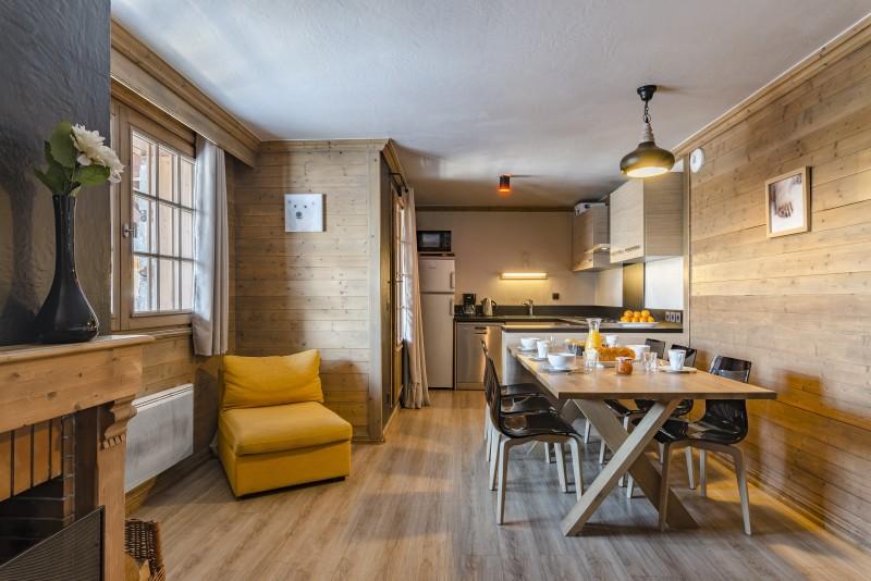chalets-rosael-premium-salle-a-manger-cuisine-4p8-305-yoan-chevojon-354597