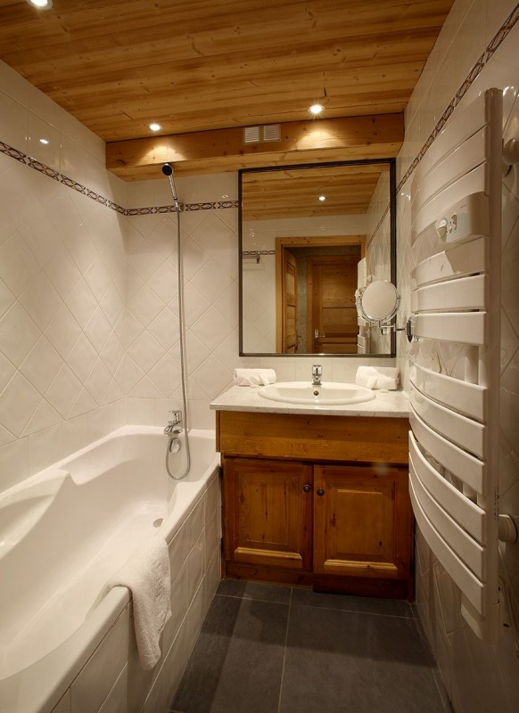 Salle de bain - ©Résidence Chalet des Neiges Plein Sud