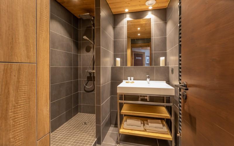 Salle de douche - © Chalet Altitude