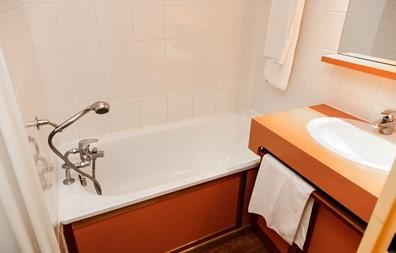 Salle de bain - © Résidence Odalys Tourotel